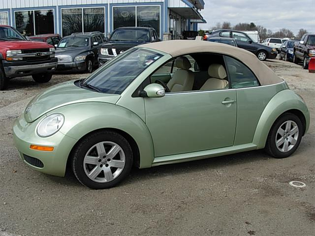 2007 Volkswagen New Beetle Watertown, Wisconsin